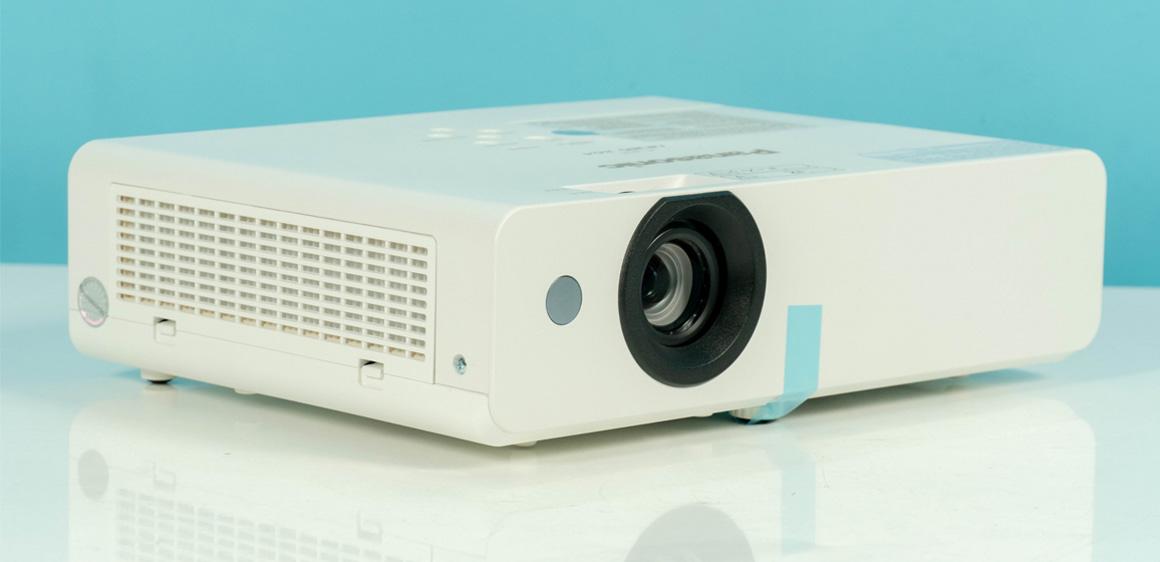 Máy chiếu Panasonic LB385